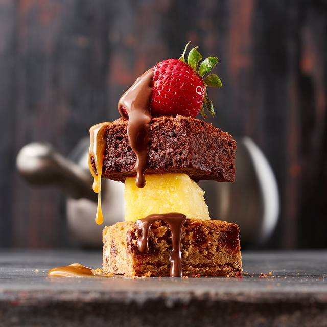 Chocolate Caramel Fondue - The Melting Pot - Orlando, Orlando, FL