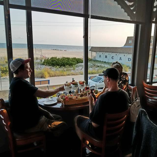 Iron Pier Crafthouse Restaurant Cape May Nj Opentable