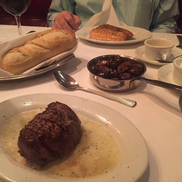 Ruth's Chris Steak House - Sacramento, Sacramento, CA