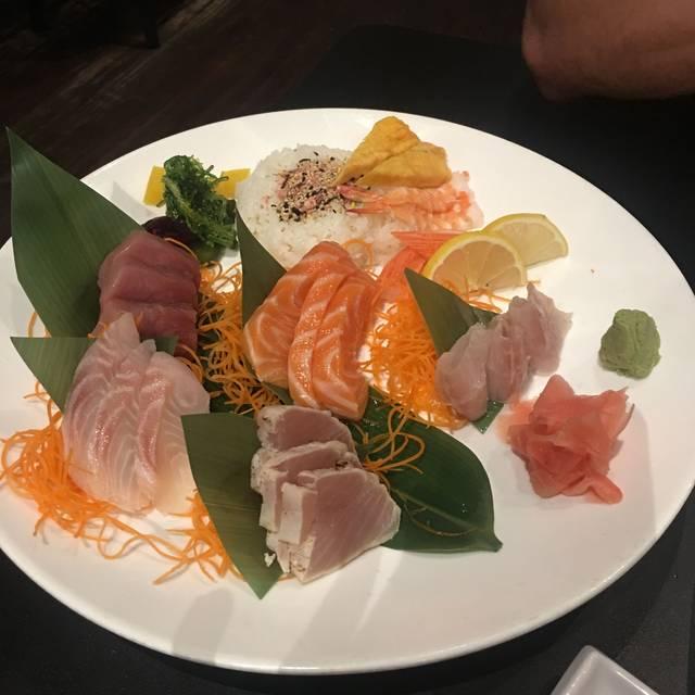 Tomo Hibachi & Sushi Restaurant and Lounge, Cleveland, OH