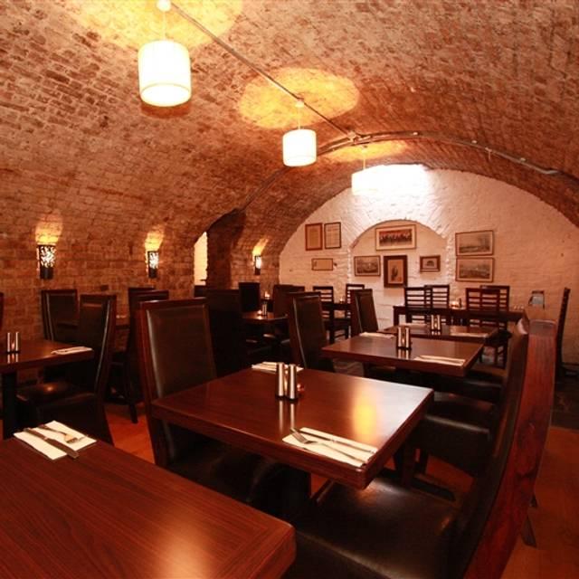 The Castle Vaults, Dublin, Co. Dublin
