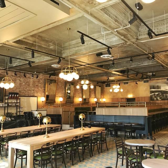 Explorateur Cafe Restaurant Bar
