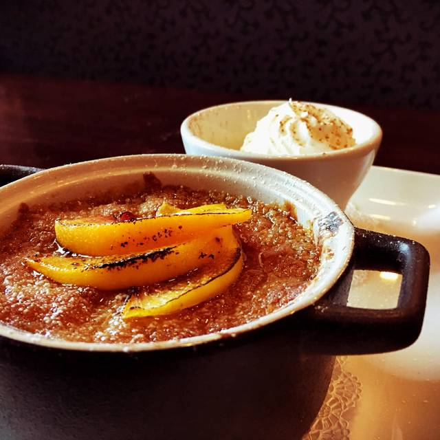 Peach cobbler - The Coach House Restaurant, Hamilton, OH