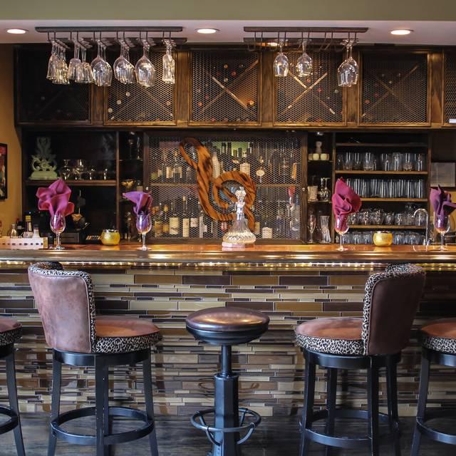 Bar - Symphony Hotel Restaurant, Cincinnati, OH