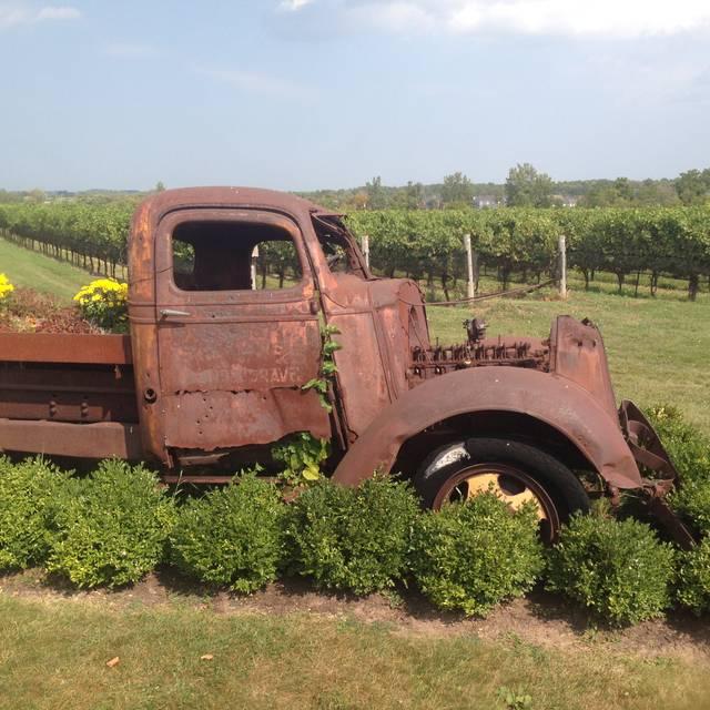 Ravine Vineyard Winery Restaurant, Niagara-on-the-Lake, ON