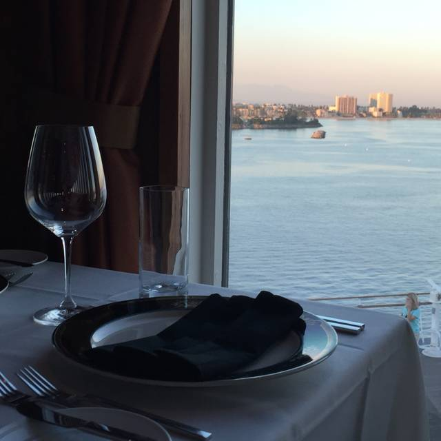 Sir Winston's Aboard The Queen Mary, Long Beach, CA