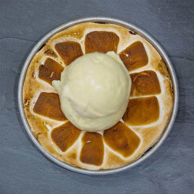 Bj's Peanut Butter Smore's Pizookie - BJ's Restaurant & Brewhouse - Arbor Walk, Austin, TX