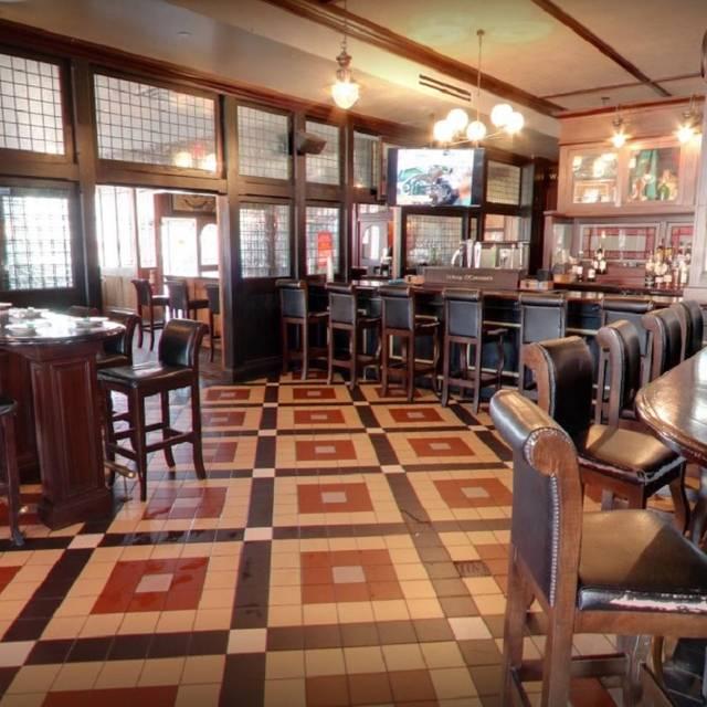 Waxys Irish Bar And Kitchen