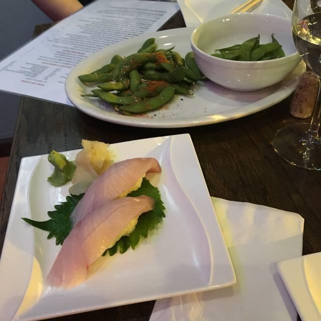 Blowfish Contemporary Sushi, Chicago, IL