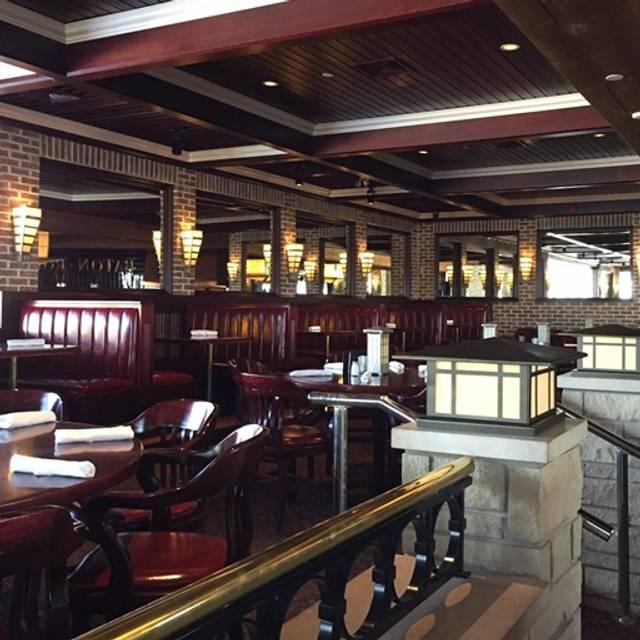 Bâton Rouge Steakhouse & Bar - Whitby, Whitby, ON