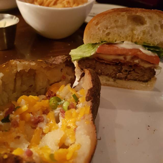 Bâton Rouge Steakhouse & Bar - Complexe Desjardins, Montréal, QC