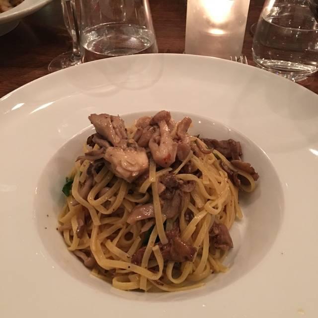Lupo Restaurant & Vinoteca, Vancouver, BC