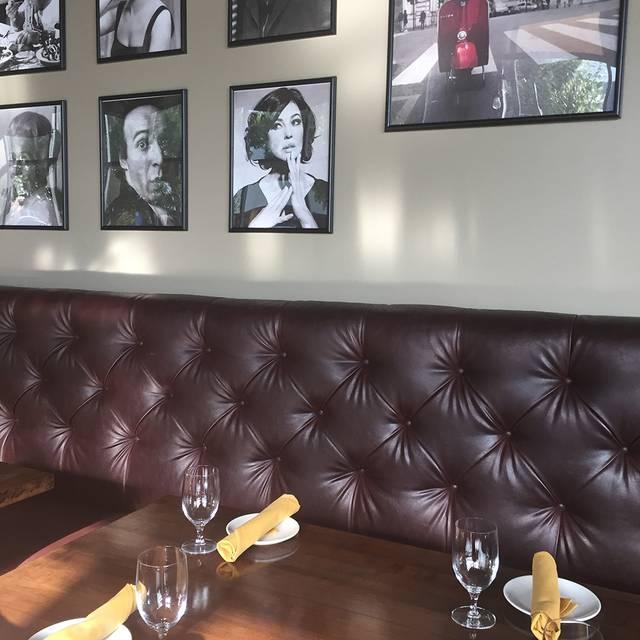 Dining Room - La Favola, Fairfax, VA