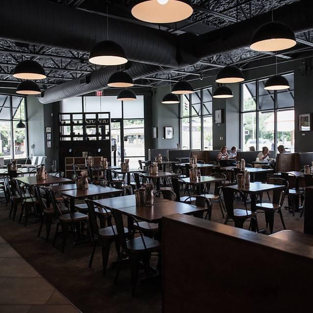 South Kitchen + Spirits Restaurant
