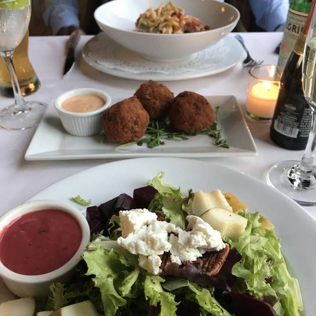 OHEKA Bar & Restaurant, Huntington, NY