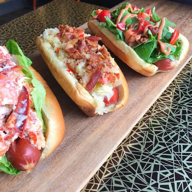 Kings of Kobe - The Burger & Hot Dog Monarchy, New York, NY