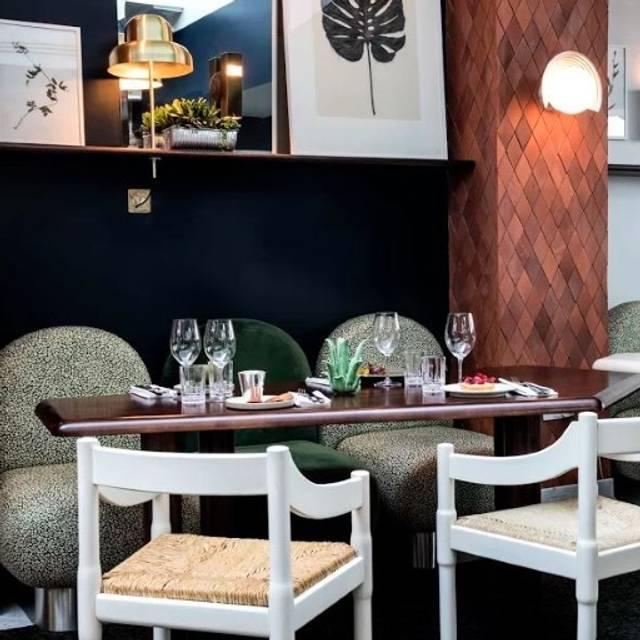 Henrietta Restaurant, London