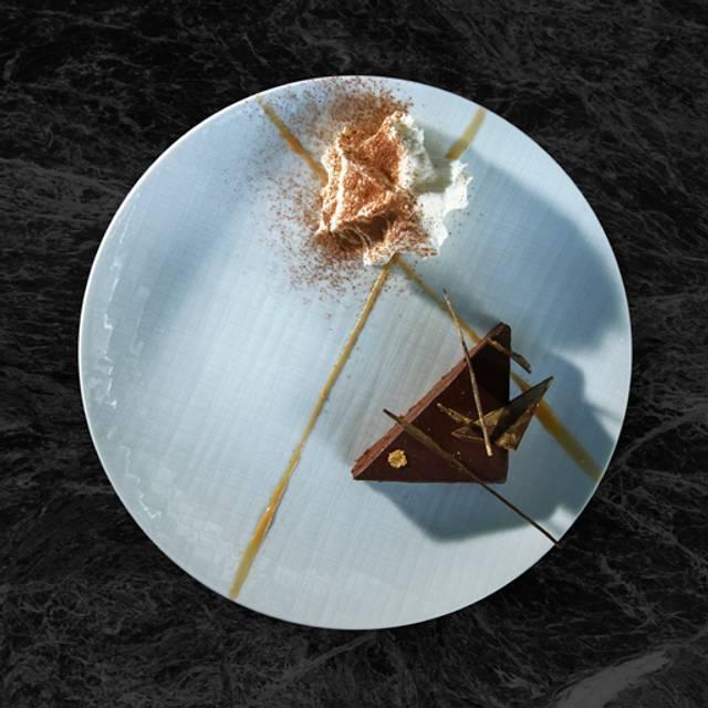 Tiramusú con biscocho de chocolate - SEPIA COCINA DE MAR, Ciudad de México, CDMX