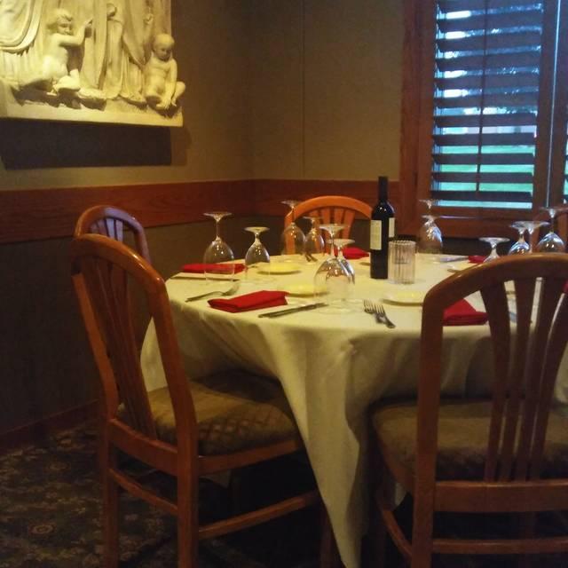 Noto's Old World Italian Dining, Grand Rapids, MI