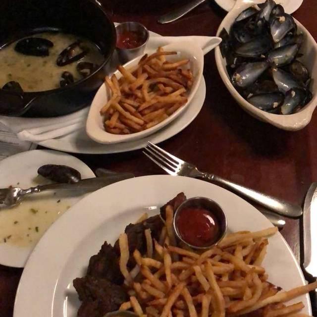 Django Restaurant, Des Moines, IA