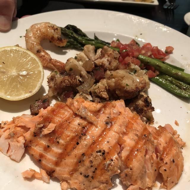 Bristol Seafood Grill – Leawood, KS, Leawood, KS