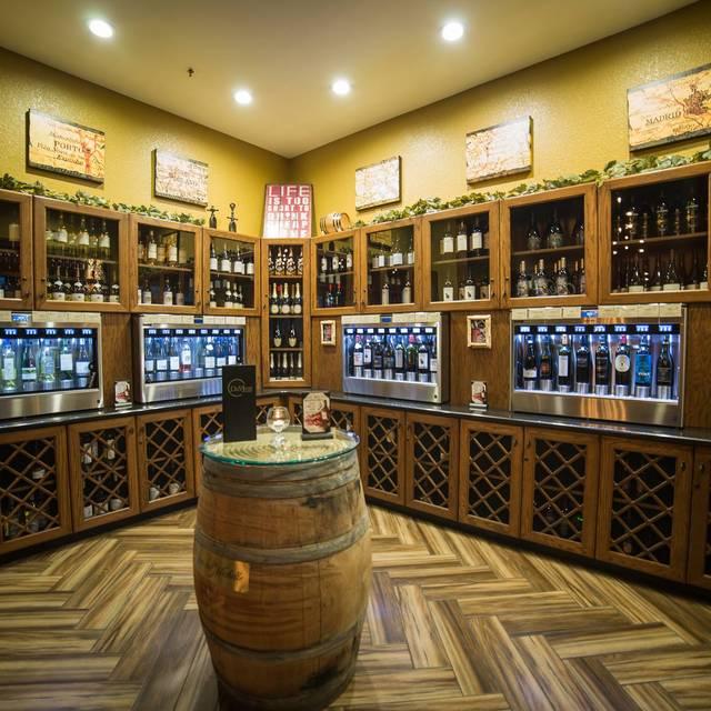 DeVine Wine & Grill, Oviedo, FL