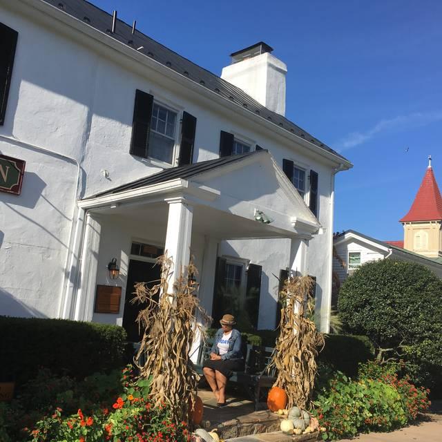 The Ashby Inn, Paris, VA