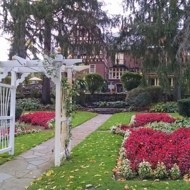The English Inn, Eaton Rapids, MI
