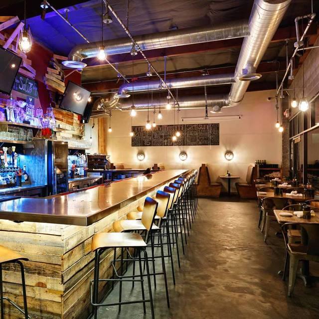 Salut Kitchen Bar, Tempe, AZ