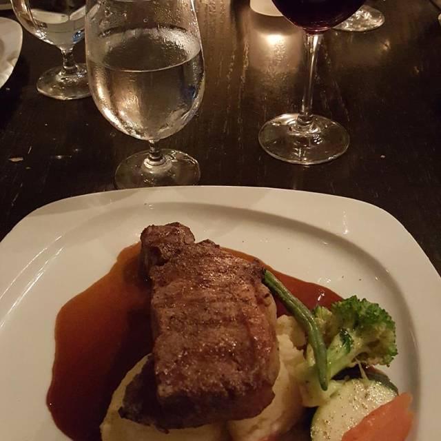 Blackshop Restaurant & Lounge, Cambridge, ON