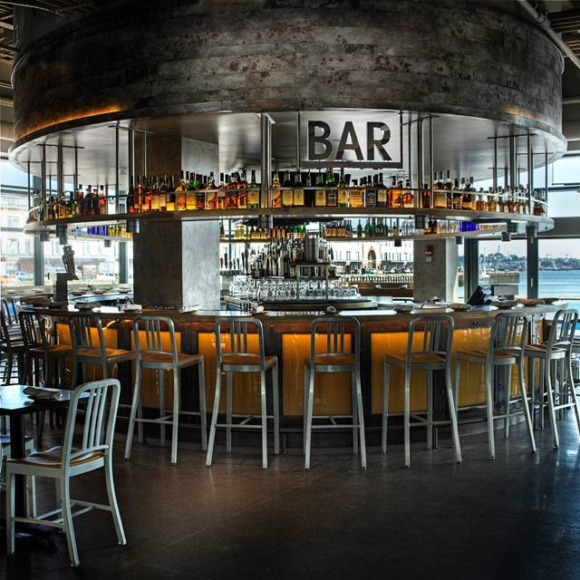 Bar - Legal Harborside - Floor 1 Restaurant and Market, Boston, MA