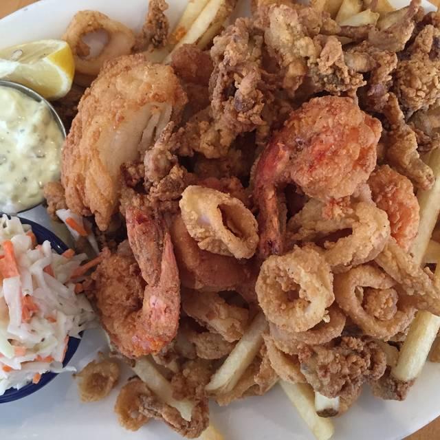 Fried Fisherman's Platter - Legal Sea Foods - 7th Street, Washington, DC