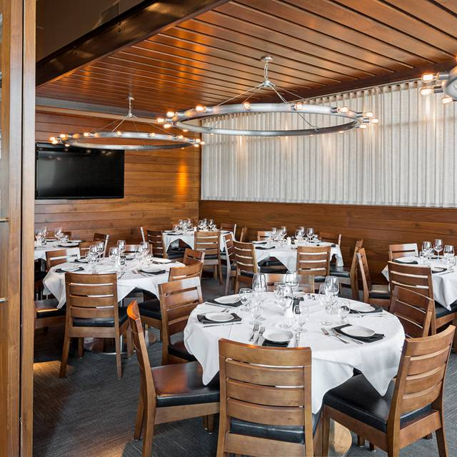 Private Dining Room - Legal Sea Foods - Braintree – Forbes Road, Braintree, MA