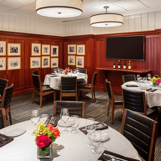 Private Dining Room - Legal Sea Foods - Peabody, Peabody, MA