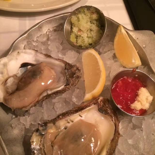 Hugo's Frog Bar & Chop House - Des Plaines Restaurant - Des Plaines, IL   OpenTable