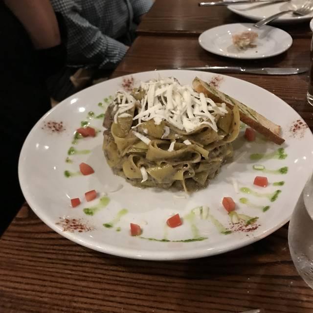 Cassariano Italian Eatery - NY, Mineola, NY