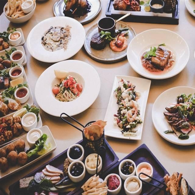 Chifley's Bar & Grill, Barton, AU-ACT