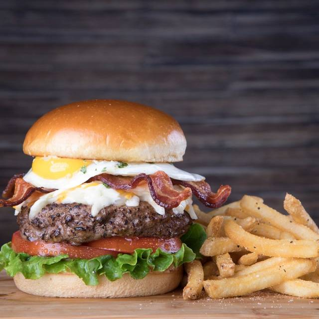Craft Burger - Bailey's Sports Bar and Grill - Troy, Troy, MI