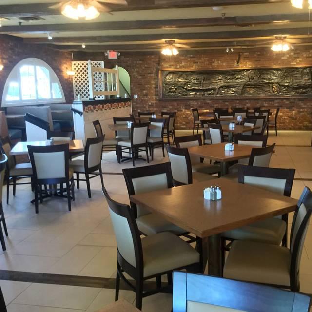 Parkway cafe restaurante casper wy opentable for 307 salon casper wy