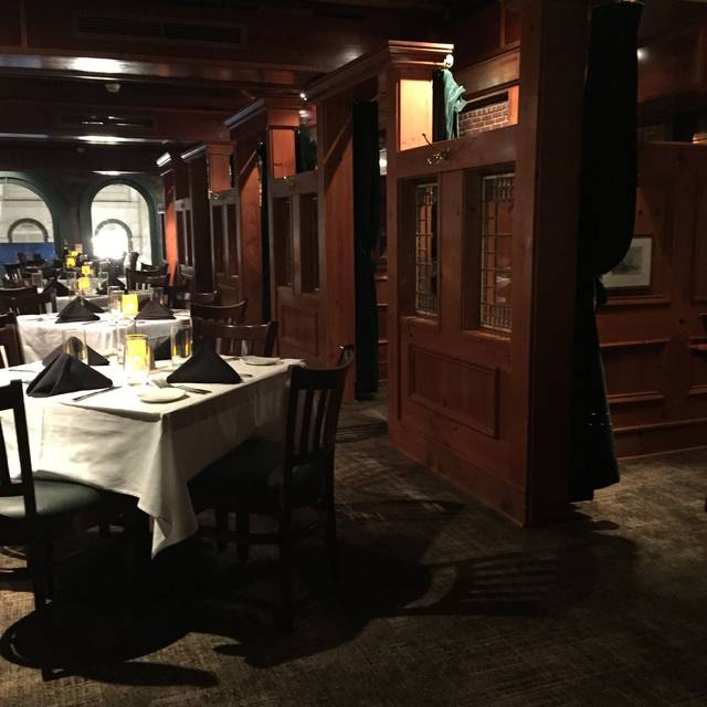 McCormick & Schmick's Seafood - Faneuil Hall, Boston, MA