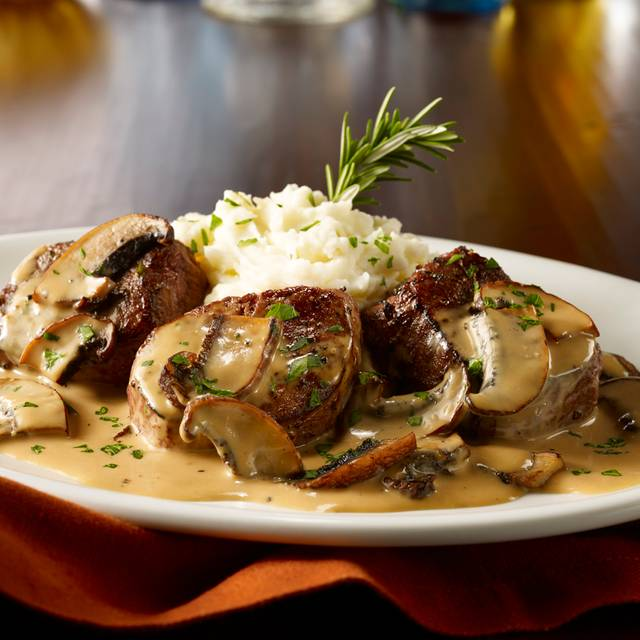 Beef Medallions - Maggiano's - Farmers Market, Los Angeles, CA
