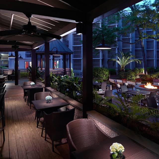 Outdoor bar - hh prime, Hilton Head Island, SC