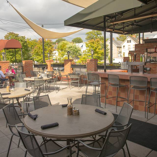 Tellers patio - Teller's of Hyde Park, Cincinnati, OH