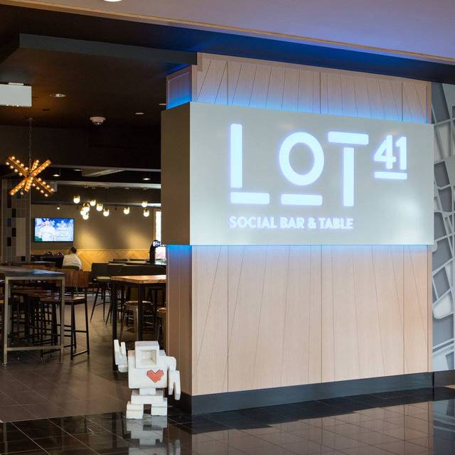 Lot 41 Delta Hotels By Marriott Toronto Airport