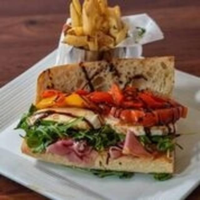 Cucina Moderna, Lake Worth, FL