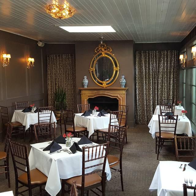 Hercules Bar and Grill, Saugatuck, MI