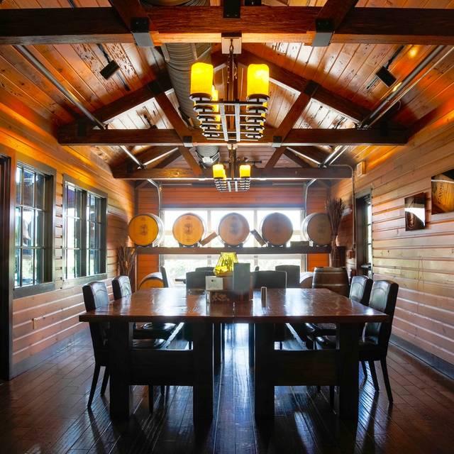 EdgeWild Restaurant & Winery, Chesterfield, MO