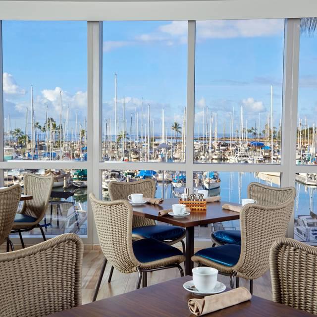 100 Sails Restaurant & Bar, Honolulu, HI