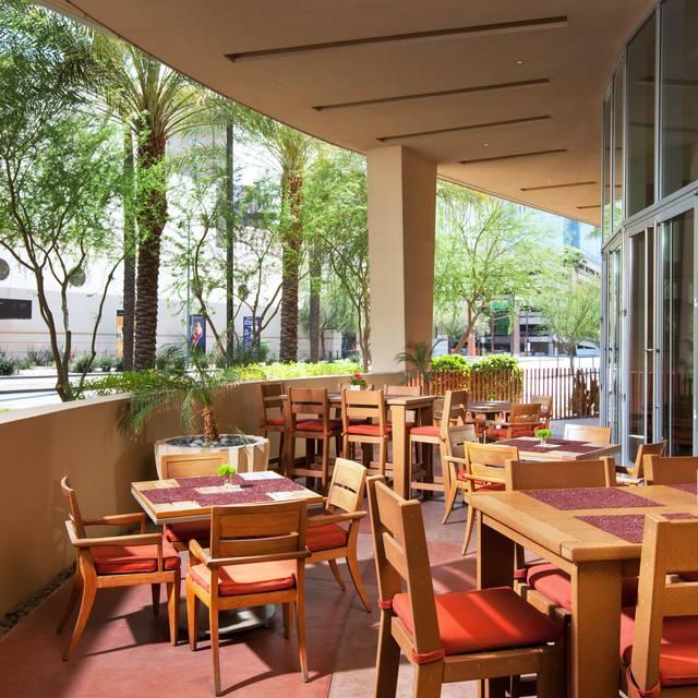 District American Kitchen and Wine Bar, Phoenix, AZ