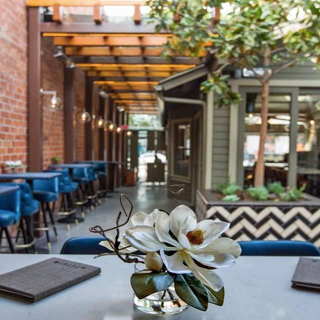 Magnolia House Pasadena Ca